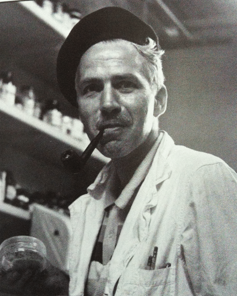 DoubleBlind: Photo of psychopharmacologist Sasha Shulgin in a lab. In this article, DoubleBlind explores the history and effects of 2C-B.